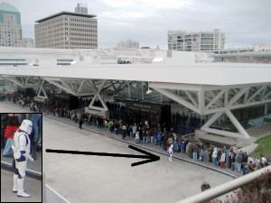 Line at Moscone Center, WonderCon 2008