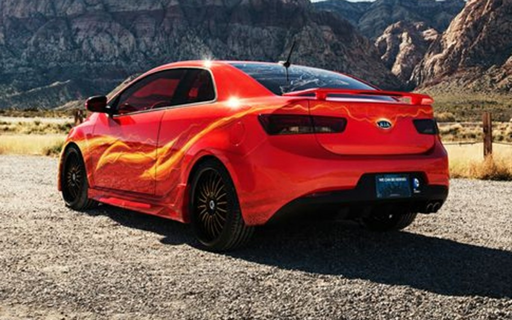 Kia And Dc Comics Unveil Flash Themed Car At Sema Trade Show Speed Force
