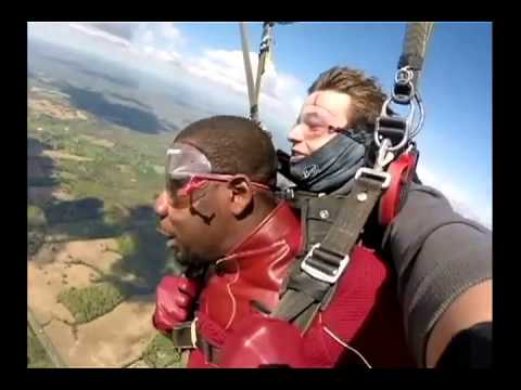 Free Fall In Scarlet or You Will Believe A Flash Can Fall! (Skydiving 04/27/2015)